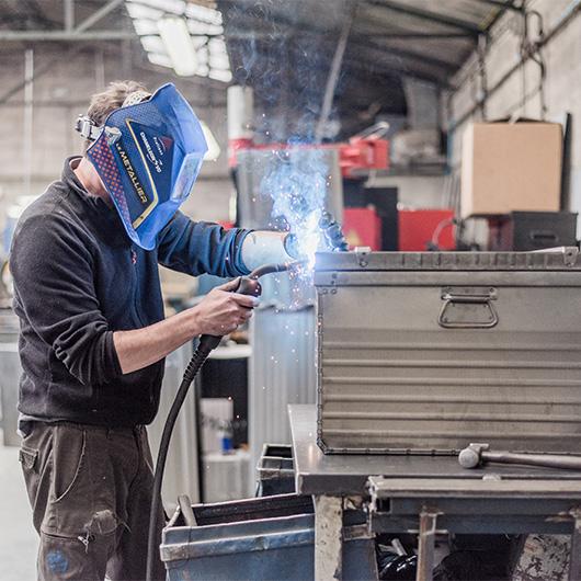 Malles rangement métallique pour professionnels